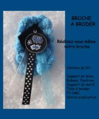 Broche bleue